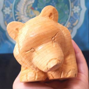 木彫り熊 米ヒバ 這熊 三作目をUPしました。