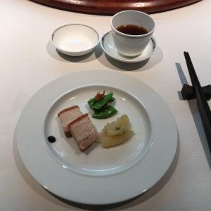 「中国飯店 富麗華」で優雅なランチを楽しむ