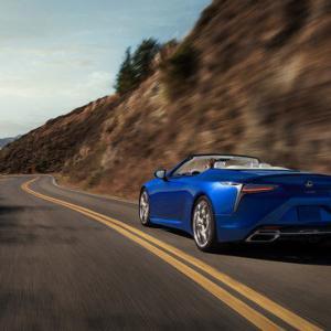 待望のLC500コンバーチブルモデルがついにワールドプレミア|Lexus
