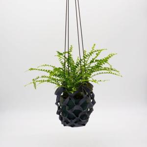 牛床革の端材を使用。植物を空間のアクセントにするハンギングツール  RHYTHMOS