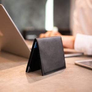 キャッシュレス時代にも持ち歩きたい6ミリのレザー財布!「ものを入れても変わらない薄さ」がコンセプト