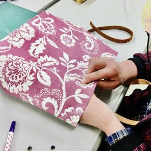 縫わないバッグ作りお知らせ&ガラスミニトレイ