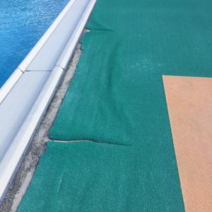 プールサイドの防滑シート