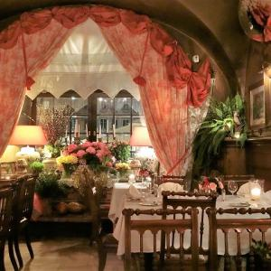 ワルシャワで一番古いレストラン、ウ フキエラでディナー♪