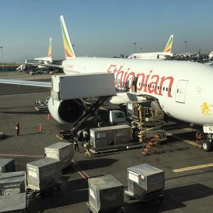 エチオピア航空のビジネスクラスでブリュッセルからウインドフックへ