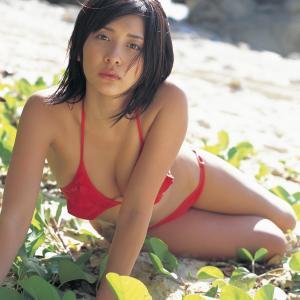 山崎真実(20歳) グラビア水着画像「42枚」2006