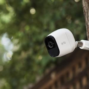 映像がぼやけてしまった防犯カメラ「Arlo Pro」のその後…