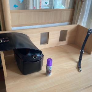 忘年用品のどうぐかばんの撥水と、ロッドの掃除。