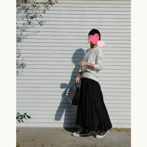 今日のコーデ♪シンプルモノトーンには技ありスカート