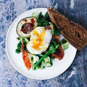 【誰でも簡単!マネ痩せ!】ヤセ体質を作る朝食!朝食ルーティーンで脂肪燃焼開始1