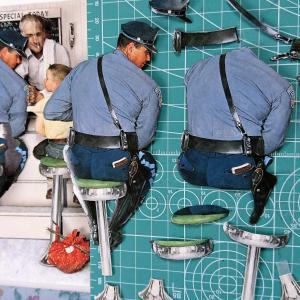 POLICEMANからやってみて・・・