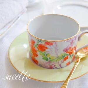 ボタニカルなカップ&ソーサー。少し前に生徒さんが作られました..もうすぐ春なんで鮮...