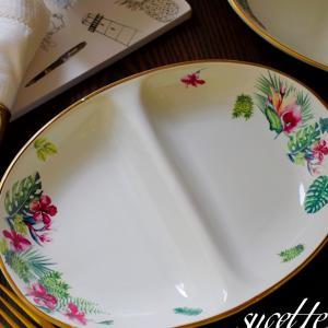 【オーダー作品、カレー皿】ハイビスカスが可愛い転写紙を使ってカレー皿を作りました。ハ...