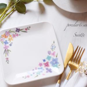 【ポーセラーツ】お花の転写紙を流れるように組み立てて凄く自然な仕上がりです。フリーレ...