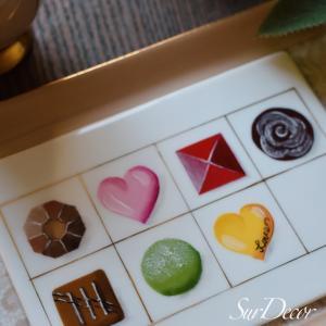 【シュールデコール】美味しそうなチョコレートボックス。うちの息子なら食べようとしちゃい...