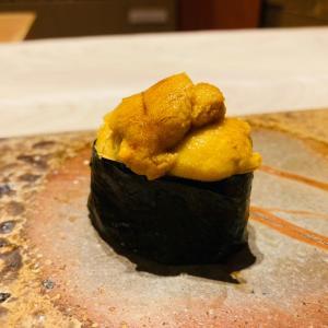 じぃ〜じ、寿司を食う