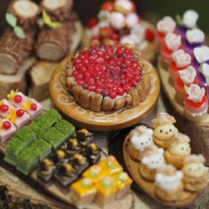 粘土で作るミニチュアケーキいろいろ