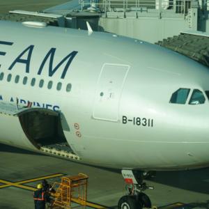 この便にプレミアムメンバーは何人搭乗していますか?チャイナエアライン台北⇒東京成田