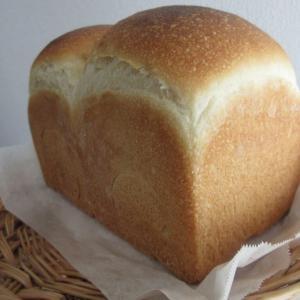 手持ちの型に対する山型食パンの生地の適正量を考えてみた。