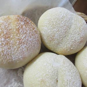 今年は7月も意外にパンを焼いています…ハイジの白パン、農家のレシピ。