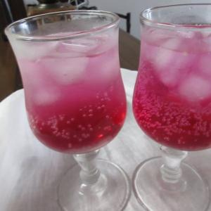簡単、手作り、赤紫蘇シロップで、紫蘇ジュース。