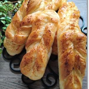【バター折り込み】と言ってもイイよね?明太子バターパンと秋の味覚№1は?