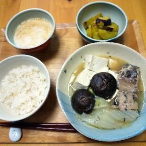 鯖缶と白菜煮の昼食