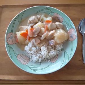 クリームシチューの昼食
