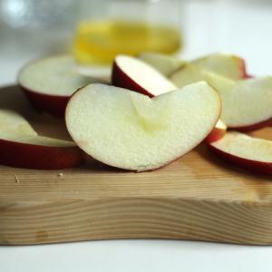 ギーを使ったりんごのコンポート