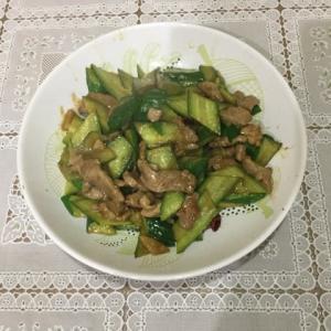 今日の一品 豚肉ときゅうりの炒め物