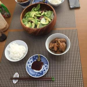 今日の一品 アボカドとホタルイカのサラダと豚尻尾醤油煮