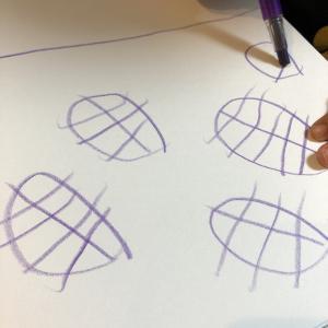 3歳児あっちゃんのお絵描き。発想が面白い笑