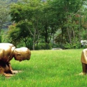 韓国の銅像