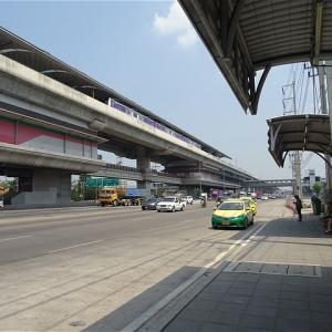 タイ・バンコク MRTクローンバーンパイ駅バス停(4番出口)