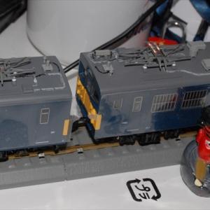 クモヤ145T-EVO:屋根色差し