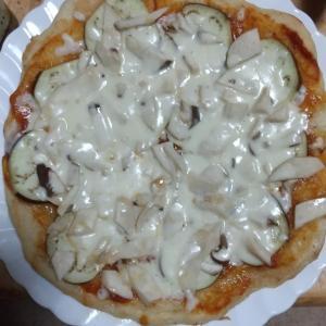 なすとエリンギのピザを作りました