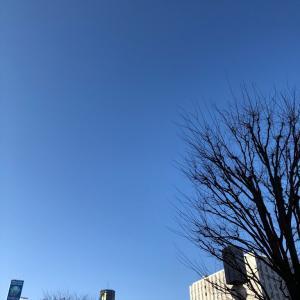 月曜の青空