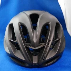ヘルメットをカスタマイズしようと思います。