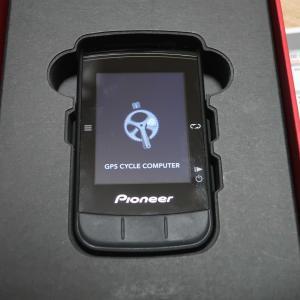 パイオニア SGX-CA600を開封します。