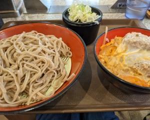 お初♪富士そばでお昼ご飯