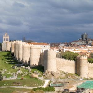 【アビラ観光】進撃の世界にそっくり!スペインの城塞都市に行ってきた!【マドリーからすぐ】