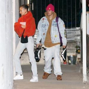 【体調良さそう…!?】ジャスティン・ビーバーとヘイリー・ビーバーが教会にお出かけ!Justin Bieber and wife Hailey step out for church service