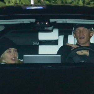 【意外と長続き…!?】マイリー・サイラスが恋人のコーディー・シンプソンとディナーデート!Miley Cyrus enjoys a night out with Cody Simpson