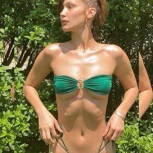 【あばら骨が浮いてる…!?】ベラ・ハディッドがビキニで日光浴!Bella Hadid shares new quarantine snapshots