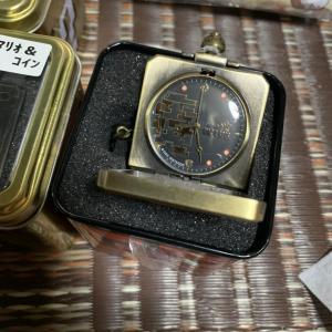 立派な時計とゲーセン好きには