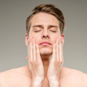肌の変化に気づいたら一刻も早くスキンケアを始めること!