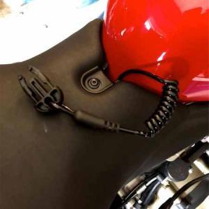 ヒットエアー作動用伸縮ワイヤーの取り付け。