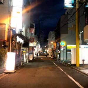 少しだけ客足が戻りつつある夜の街