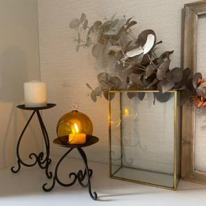 晩秋を感じる玄関の飾り方 ~LED式のキャンドルを使って~