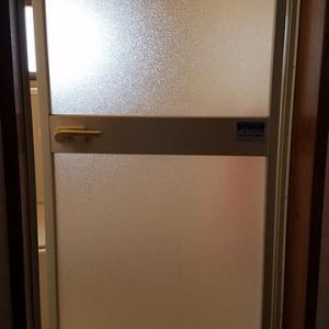 ユニットバスのドア ゴムパッキンの交換
